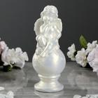 """Статуэтка """"Ангел на шаре"""", цвет перламутровый, 17 см - фото 1699891"""
