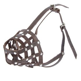 Намордник кожаный «Зооник» №4 (немецкая овчарка), длина по носу 9,5 см, обхват морды 31 см, микс