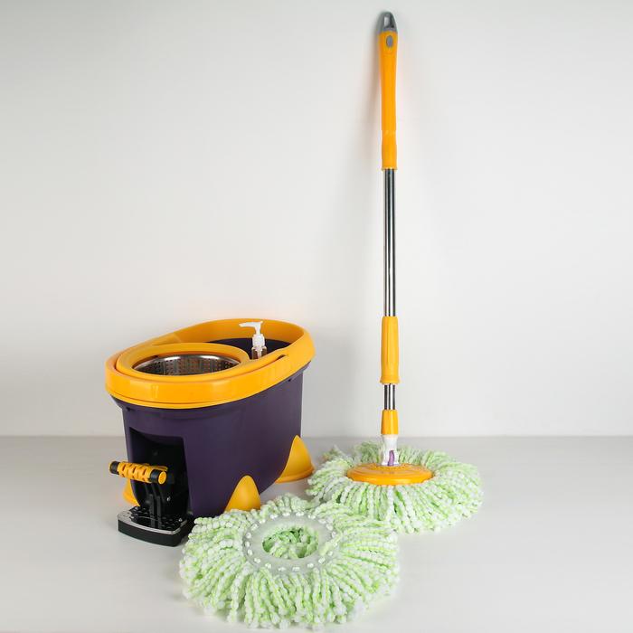 Набор для уборки: швабра, ведро с педальным отжимом с металлической центрифугой 20 л, запасная насадка из микрофибры, ножки, дозатор, цвет МИКС