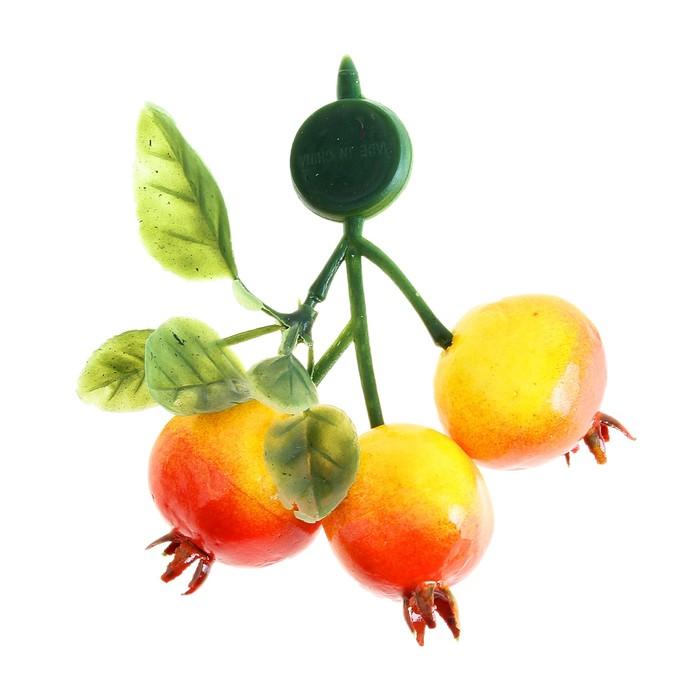 """Магнит """"Шиповник"""", 3 ягоды"""