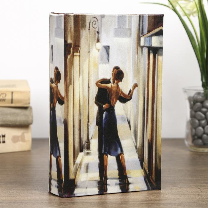 "Сейф-книга ""Танец в зеркалах"", обита шёлком"