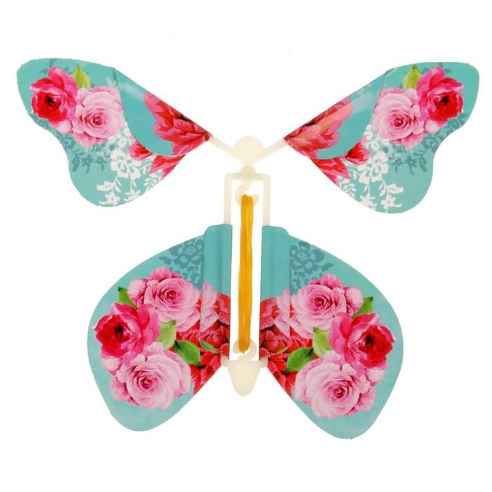 Бабочки летающие в открытку