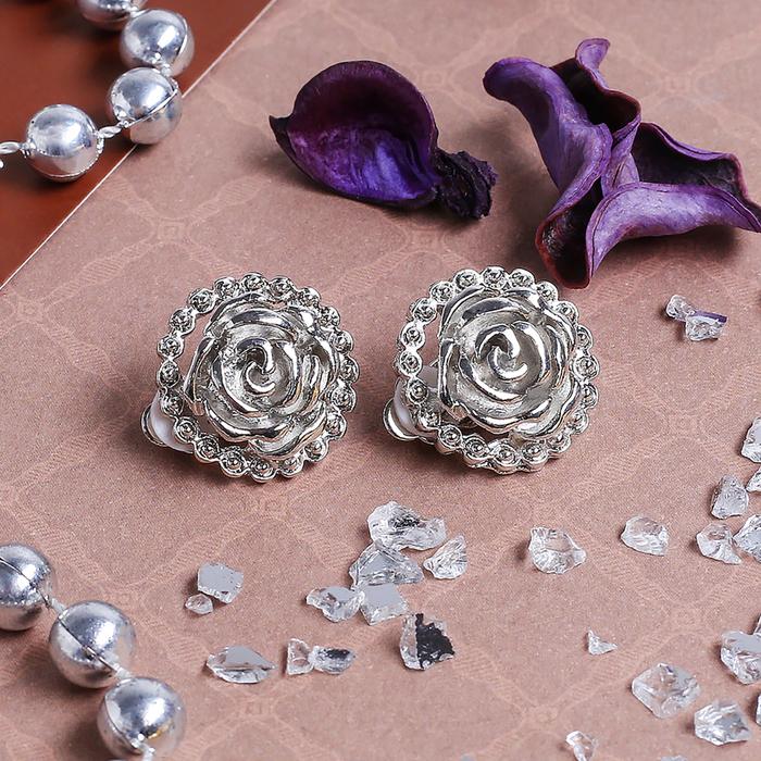 1c053456af09 Клипсы  Цветок  роза, цвет серебро в Бишкеке купить цена