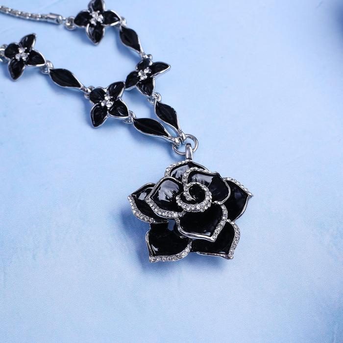 """Кулон на декоративной основе """"Цветок"""" роза, цвет чёрный в серебре, 45 см"""