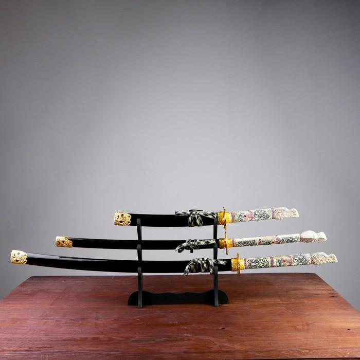 Сувенирное оружие «Катаны на подставке», чёрные ножны, голова дракона на рукоятке