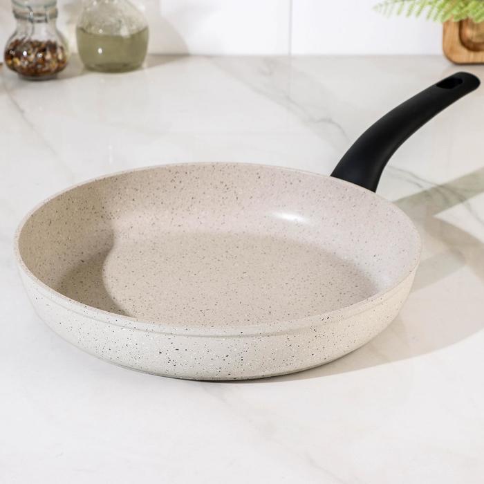 Сковорода с антипригарным покрытием, 28 см MARMIA