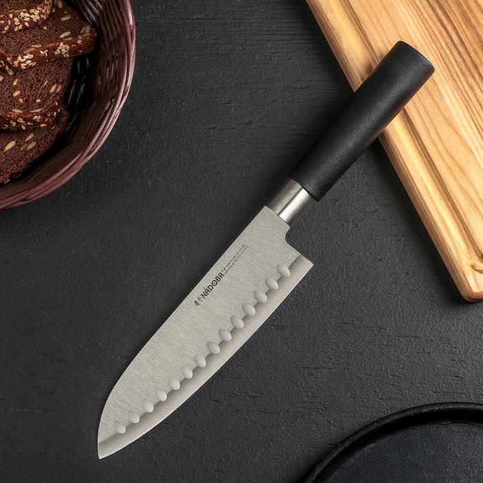 Нож кухонный сантоку Nadoba Keiko, лезвие 17,5 см, с углублениями