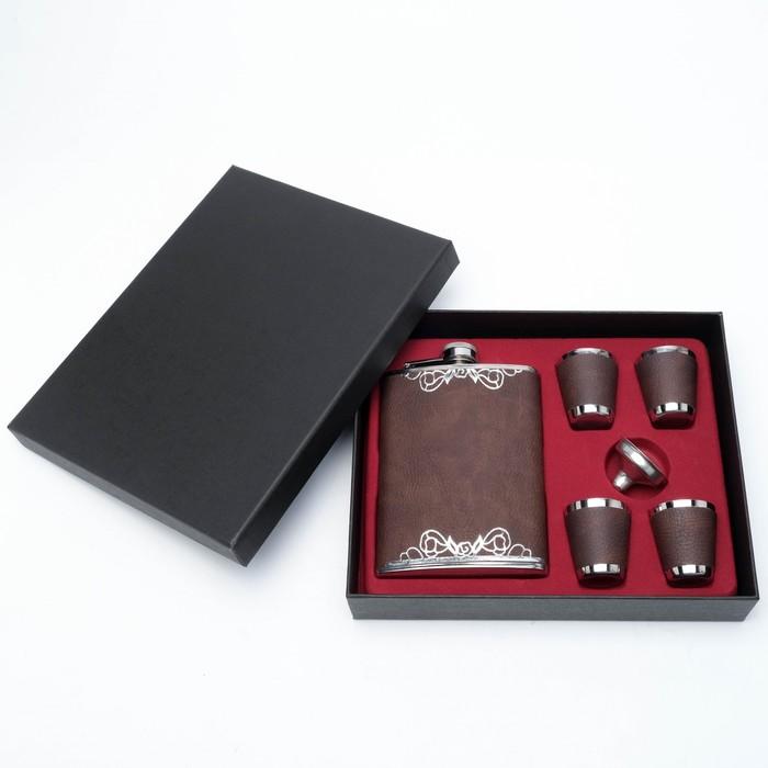 """Подарочный набор """"Змея"""" 6 в 1: фляжка 240 мл, воронка, 4 рюмки, коричневый, 17х23 см"""