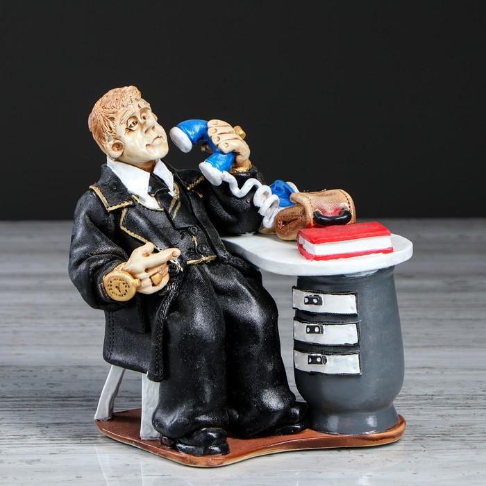 """Статуэтка """"Бизнесмен за столом"""" - фото 370256596"""