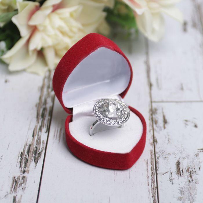 Золотое кольцо в футляре живые фото