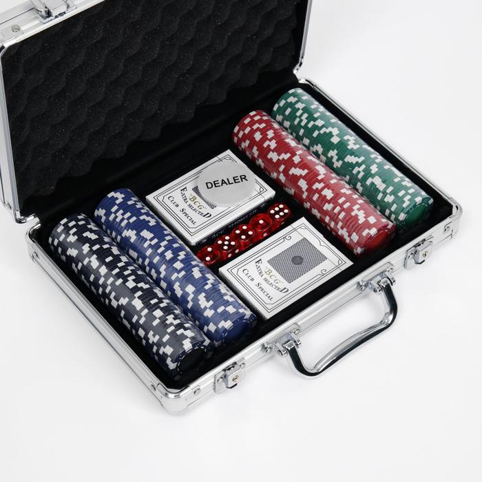 Набор для покера Poker playing cards: 2 колоды 54 шт., 200 фишек 11 г, 5 кубиков, в металлическом кейсе