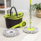 Набор для уборки: ведро на колёсиках с металлической центрифугой 18 л, швабра, запасная насадка из микрофибры, 2 дозатора, цвет МИКС - фото 4644051