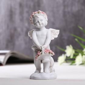 "Фигурка полистоун ""Ангел с корзинкой розовых роз"" 10х3,5х5 см"