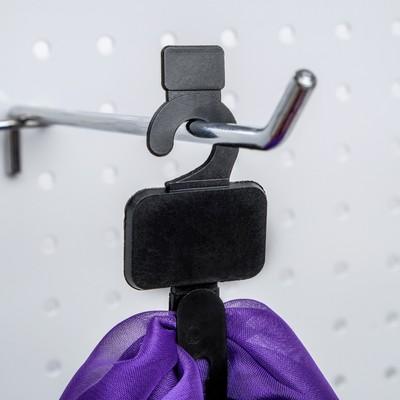 Крючок пластиковый с 1 креплением, L=13.6, цвет чёрный
