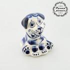 Сувенир «Собака с цветком», гжель