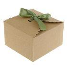 Коробка крафт из рифленого картона 13 х 13 х 8 см с лентой