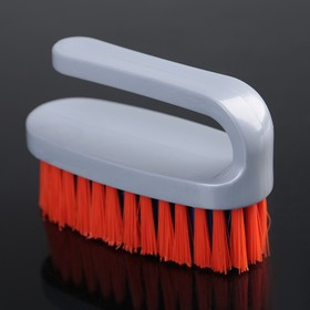 Щётка-утюжок малая средней жёсткости АкваМаг, длина щетины 2,3 см, цвет МИКС