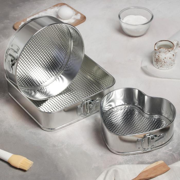 "A set of split molds for baking ""Fabian"", 3 PCs: 18, 22, 25 cm"