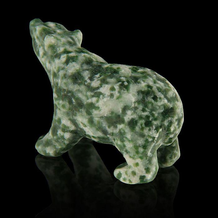 Фигурка медведя от 48х32мм/38г, жадеит