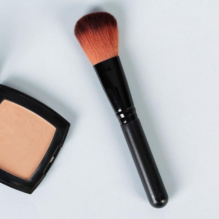Кисть для макияжа/пудры и румян, скруглённая, 15,5см, цвет чёрный