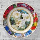 """Тарелка декоративная """"Белые розы"""", настенная, d=20 см, ручная работа"""