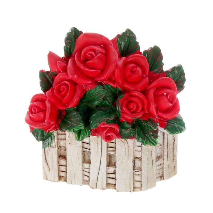 "Магнит полистоун ""Куст роз"" 6х5,5 см"