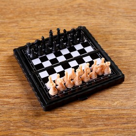 "Игра настольная ""Шахматы"" на магните, 8.5х8.5 см, микс"