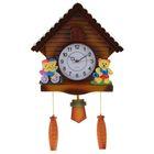 Часы настенные с мишки на велосипеде в домике 40*40см пластик