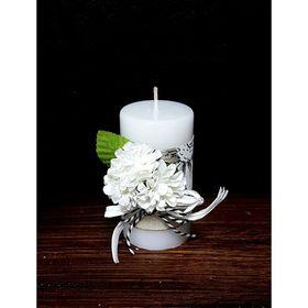 """Свеча """"Ручная работа"""" с декором """"Белые цветы"""" 52*95"""