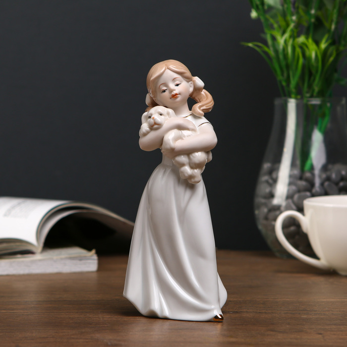 Сувенир «Девочка с щенком»