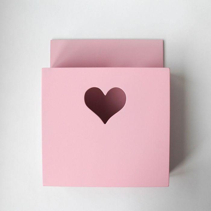 Карман для книг, деревянный, розовый с сердечком
