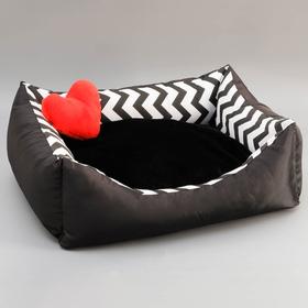 Лежанка с сердечком, 50 х 40 х 15 см, оксфорд, бязь, искусственый мех