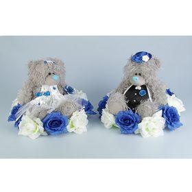 Украшение на крышу «Медведи», на подставке с бело-синими цветами Ош