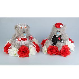 Украшение на крышу «Медведи», на подставке с бело-красными цветами Ош