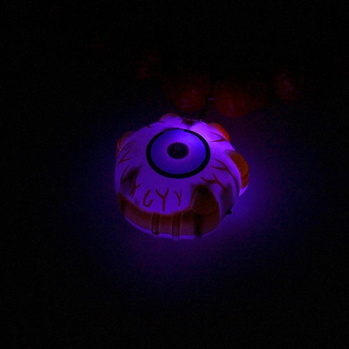 """Прикол ожерелье """"Глаз с черепами"""", световое"""