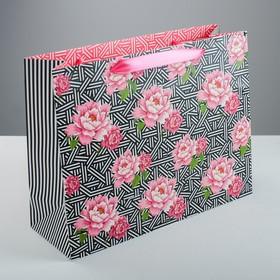 Пакет на длинной ручке «Цветочный орнамент», 35 х 27 х 12 см