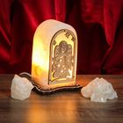 """Соляной светильник """"Прямоугольник"""" с узором, 14х8х6 см, деревянный декор, цельный кристалл"""