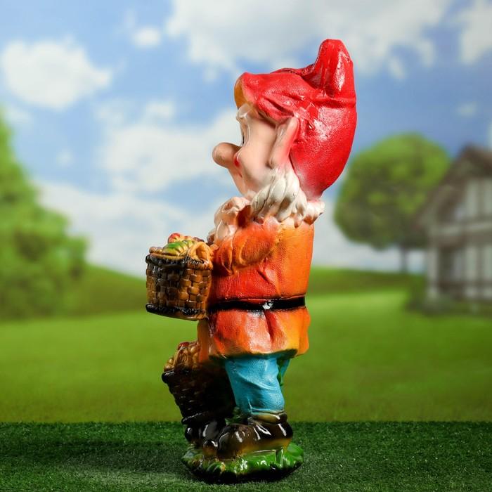 """Садовая фигура """"Гном с двумя корзинками"""" красный кафтан"""