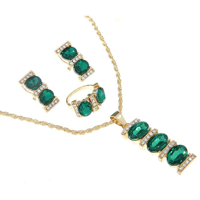 """Гарнитур 3 предмета: серьги, кулон, кольцо """"Каталина"""", овалы в прямоугольнике, цвет зелёный, 45см"""
