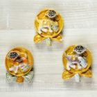 """Magnet Polyresin """"Dog on a gold coin with bills"""" MIX 6x4,7 cm"""