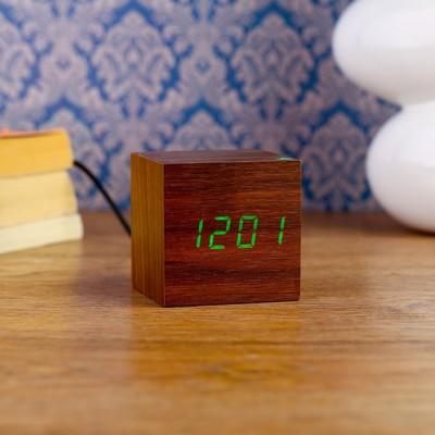 "Часы-будильник электронные ""Кубик"", настольные, цвет венге, зелёные цифры, 6.5х6.5х6.5 см"