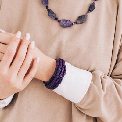 """Браслет-пружинка """"Деревянный кубик"""" 4 ряда, цвет фиолетовый"""