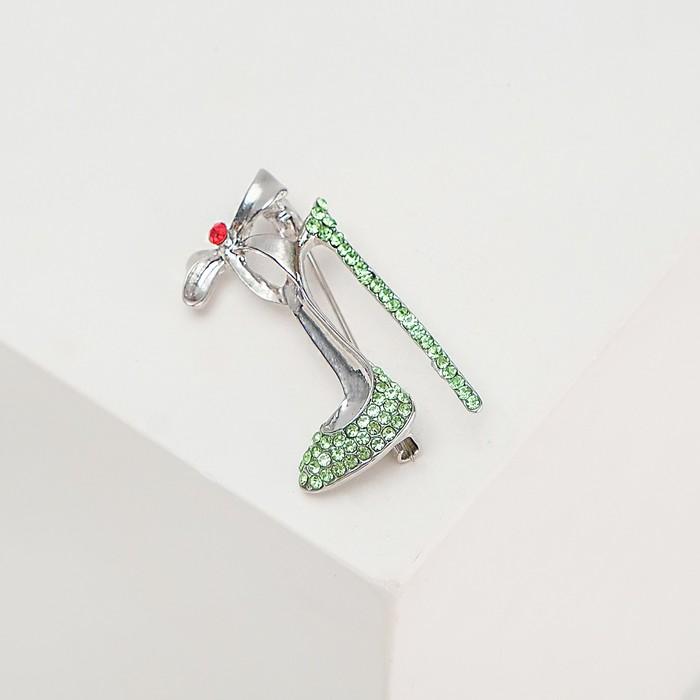 """Брошь """"Туфелька с бантом"""", цвет зелено-красный в серебре"""
