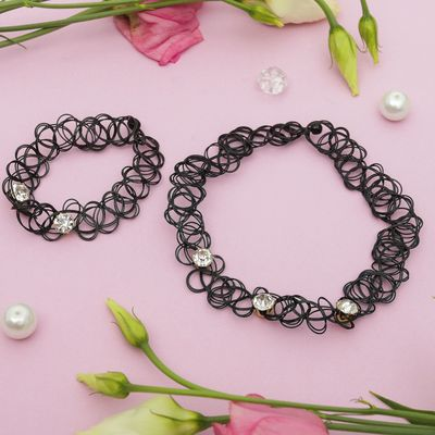 "Set of 2 pieces: a choker, bracelet ""Classic"" strosinci, color black"