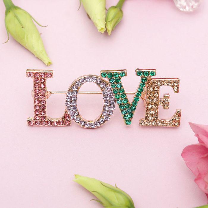 Брошь LOVE, цветная в золоте