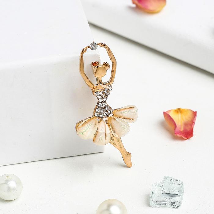 """Брошь спортивная """"Балерина в танце"""", цвет белый в золоте"""