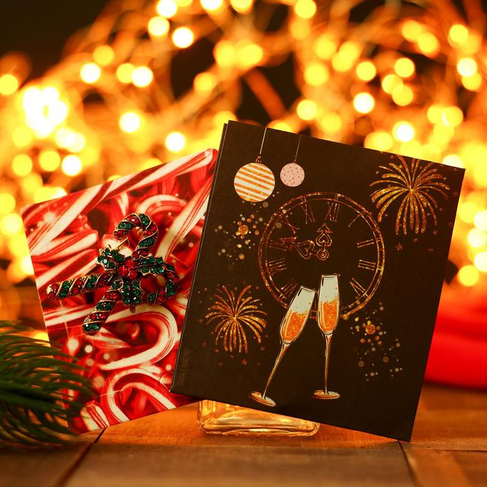 """Брошь """"Новогодняя сказка"""" праздничные леденцы, цвет красно-зеленый в золоте"""