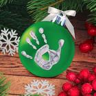 """Новогодний ёлочный шар """"Отпечаток детской ручки"""" зеленый"""