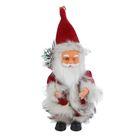 Дед Мороз, в пушистой красной шубе, с подарком, английская мелодия