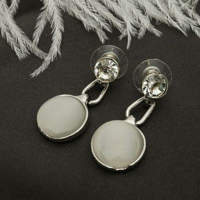 """Серьги """"Круг"""" капля, цвет белый в серебре"""